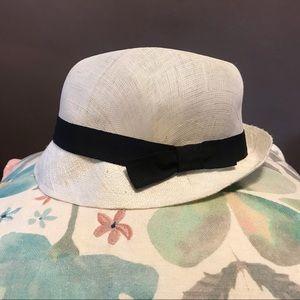 Accessories - Linen short brim hat